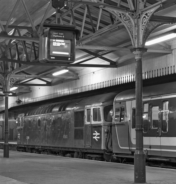 33119 and 4-TC No. 8012 at Salisbury, with the 21:20 Salisbury - Waterloo, <br /> on 22nd April 1989. Scanned Negative.