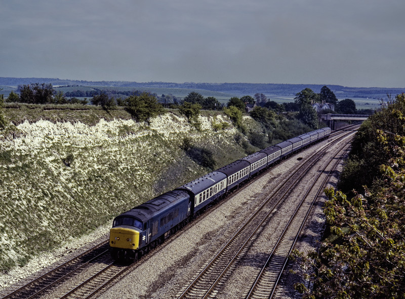 45033 approaching Cholsey with an unidentified service on 8th May 1982. <br /> Scanned Transparency.