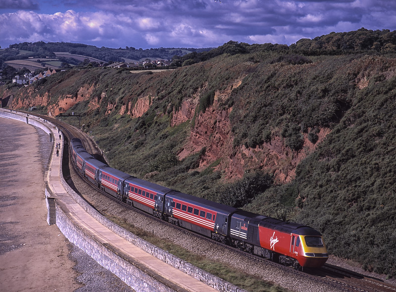 43155 and 43007 heading down towards Dawlish, with 1V38, the 06:05 Leeds - Plymouth, <br /> on 17th September 2001. Scanned Transparency.