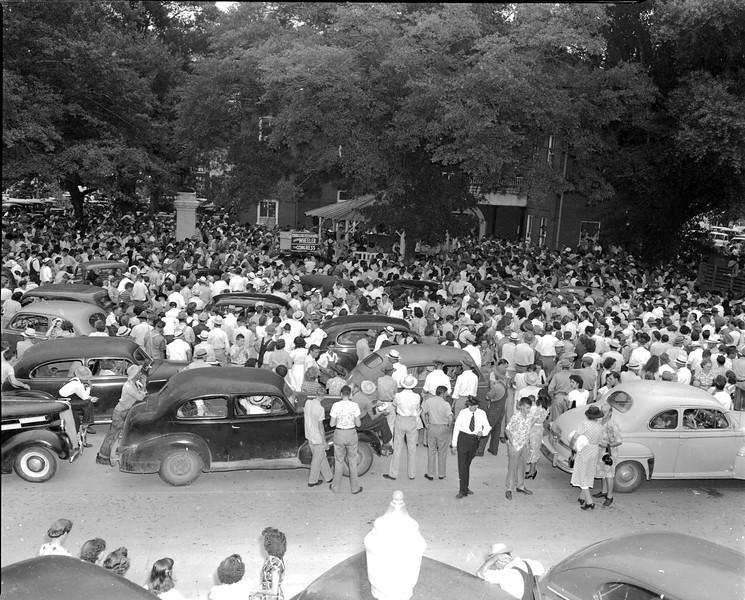JC_LFN_000092_Nashville Crowds_Tobacco Drawing_8-20-1948