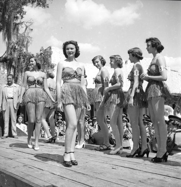 JC_LF_000505_Miss Turpentine Contest_4-1950