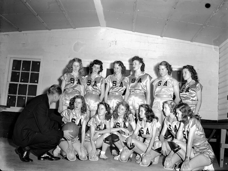 JC_LFN_000186_Basketball Tourn_SparksAdel_2-28-1947