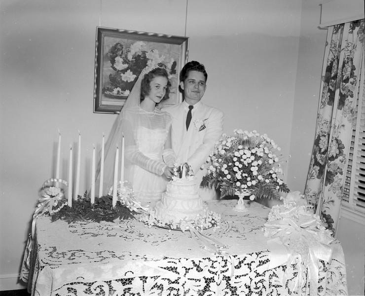 JC_LFN_000328_Bobby Clyatt_Mary Alice Tygart_Wedding_6-12-1949