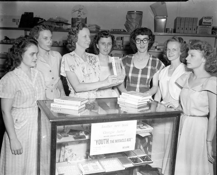 JC_LFN_000305_Marie Patten_Book Club Group_8-1949