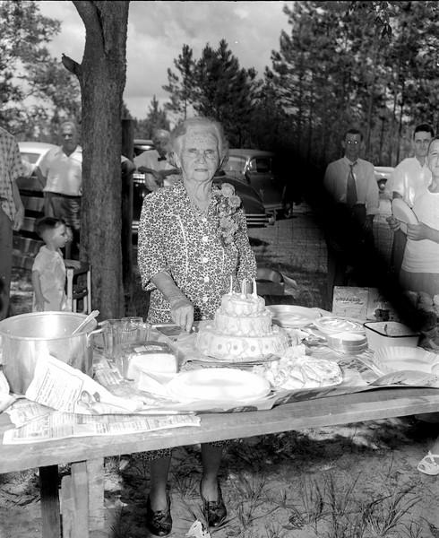 JC_LFN_000091_Mrs Peter Gaskins 82nd Birthday_8-1-1948