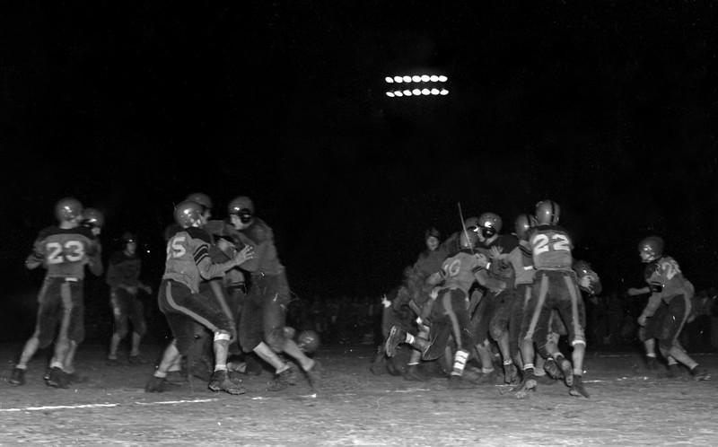 JC_LF_000470_Adel-Sparks_Nashville Football_11-12-1948Z-FBLCROP
