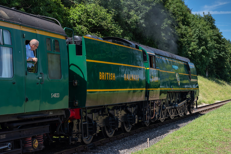 """34081 """"92 Squadron"""" at College Crossing with the 14:55 Alresford - Alton, on 2nd July 2017."""