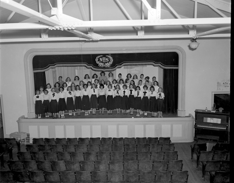 Nashville High School Annual Glee Club, April 1, 1949, with Mrs. Alma Kneece.