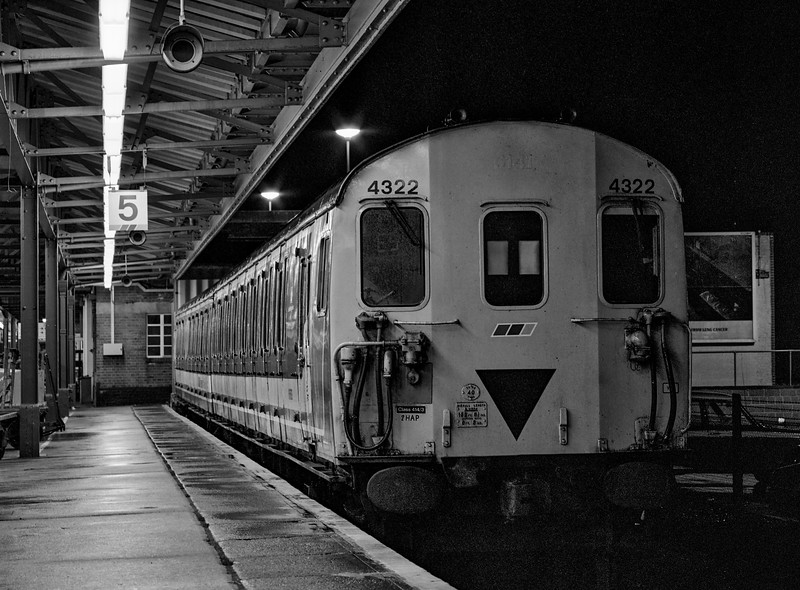 2-HAP No. 4322 stabled in the bay platform at Woking, on 6th January 1990. <br /> Scanned Negative.