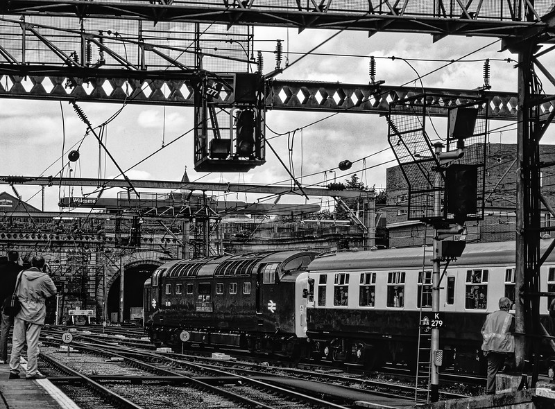"""55019 """"Royal Highland Fusilier"""" departs from Kings Cross with the 15:03 Kings Cross - York, on 22nd May 1999. These tours were billed as the """"Mainline Debut Tours"""" <br /> organised by the Deltic Preservation Society. Scanned Transparency. ."""