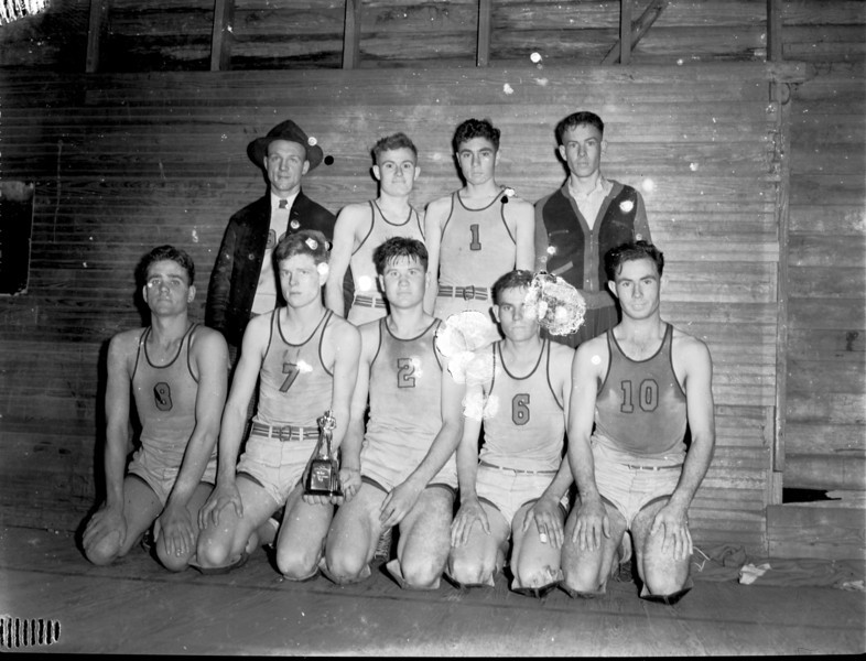 Baxley Boys Basketball, 8th District Champions, March 14, 1941