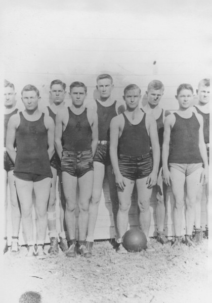 1930s or 1940s NHS boys basketball team