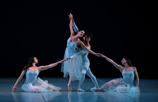 Serenade by George Balanchine (© The George Balanchine Trust)
