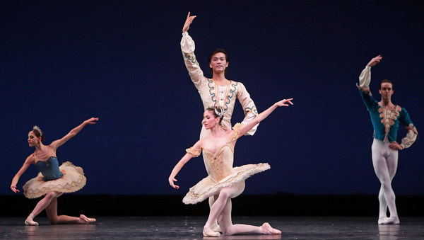 Artists of Houston Ballet in Raymonda