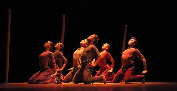 Artists of Houston Ballet in Jardi Tancat