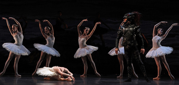 Nicholas Leschke and Artists of Houston Ballet
