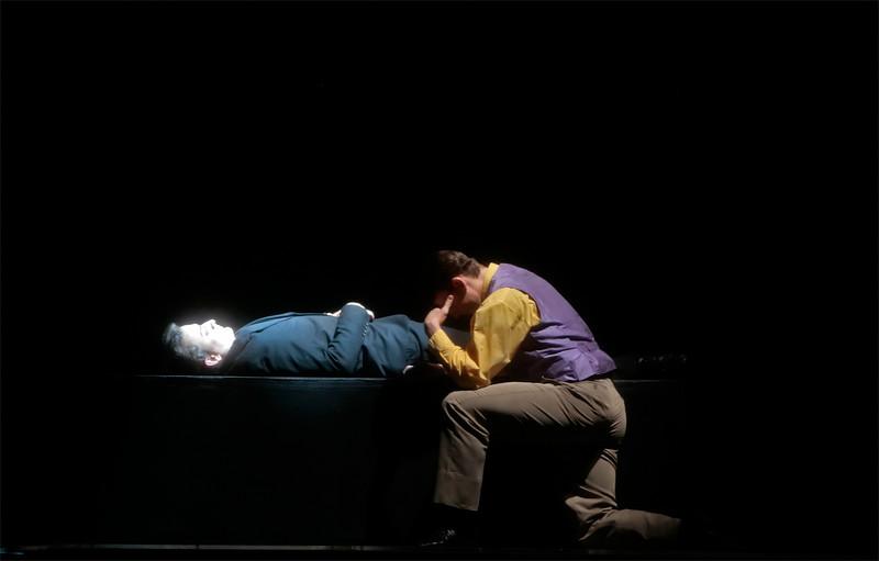 Hamlet - Patrick Howell (dying)