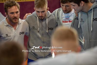 Bundesliga Doppelkampftag Männer Frauen München Großhadern April 2018 Leipzig Wiesbaden, Team Ansprache, Tobias Englmeier_BT_NIKON D4_20180414__D4B2382