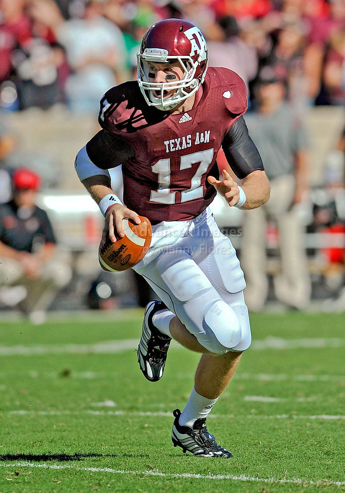 OCT 30 2010:  <br /> Texas A&M Aggies quarterback Ryan Tannehill #17 drops back and passes the ball in a game between Texas Tech Red Raiders and Texas A&M Aggies at Kyle Field Stadium in College Station, Texas.<br />  Aggies win 45-27.<br /> (Credit Image: © Manny Flores/Cal Sport Media)