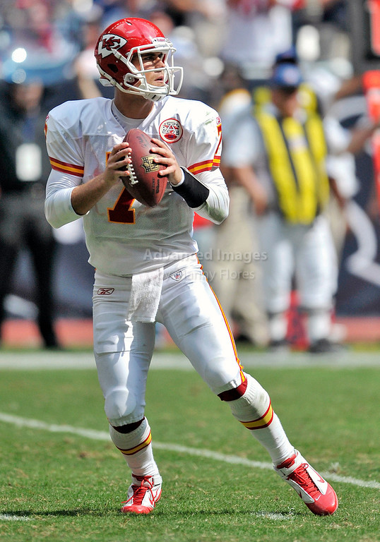 Oct 17 2010:  <br /> Kansas City Chiefs quarterback Matt Cassel #7 passes the ball<br /> in a game between Kansas City Chiefs and the Houston Texans at Reliant Stadium in Houston, Texas.<br /> Houston wins 35-31<br /> (Credit Image: © Manny Flores/Cal Sport Media)