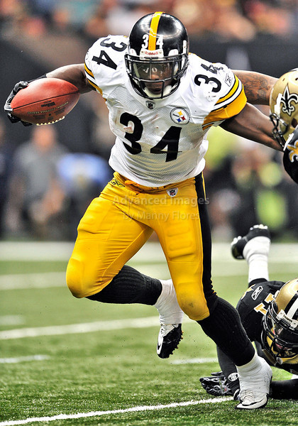 OCT 31 2010:  <br /> Pittsburgh Steelers running back Rashard Mendenhall #34 carries the ball for no gain as he is tackled by New Orleans Saints linebacker Scott Shanle #58 in a game between Pittsburgh Steelers and New Orleans Saints at the Louisiana Superdome Stadium in New Orleans, LA.<br />  Saints win 20-10<br /> (Credit Image: © Manny Flores/Cal Sport Media)