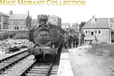 RCTS: Wessex Wyvern 8/7/56 GWR Collett 5700 class pannier tank no. 4624 at Easton station which had closed to passenger traffic on March 3rd, 1952. This return trip was hauled throughout by 4624 which was a Weymouth allocated engine from March 1954 until August 1963. [Mike Morant collection]
