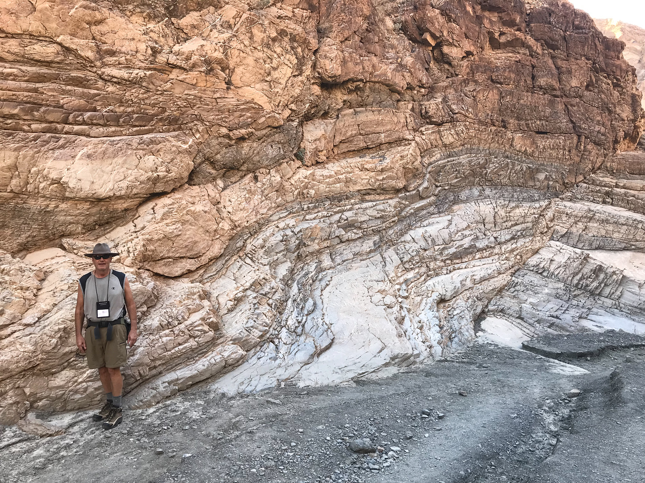 Mosaic Canyon Trail