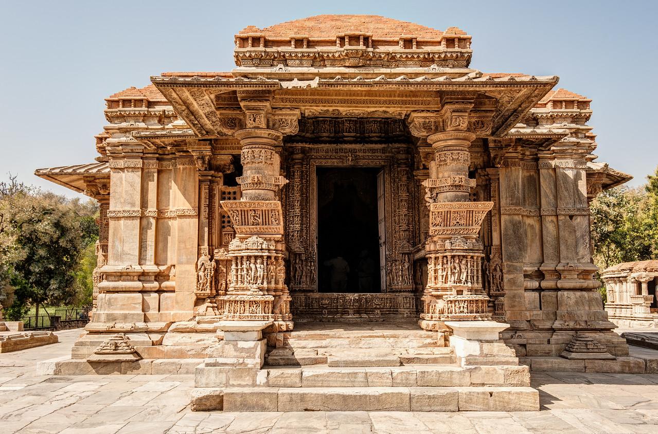 Saas-Bahu Temples in Nagda