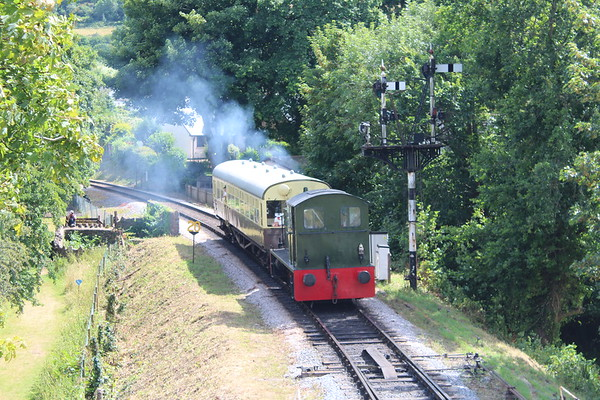 Class 04 D2271 approaches Buckfastleigh with a train from Staverton. 20.07.19