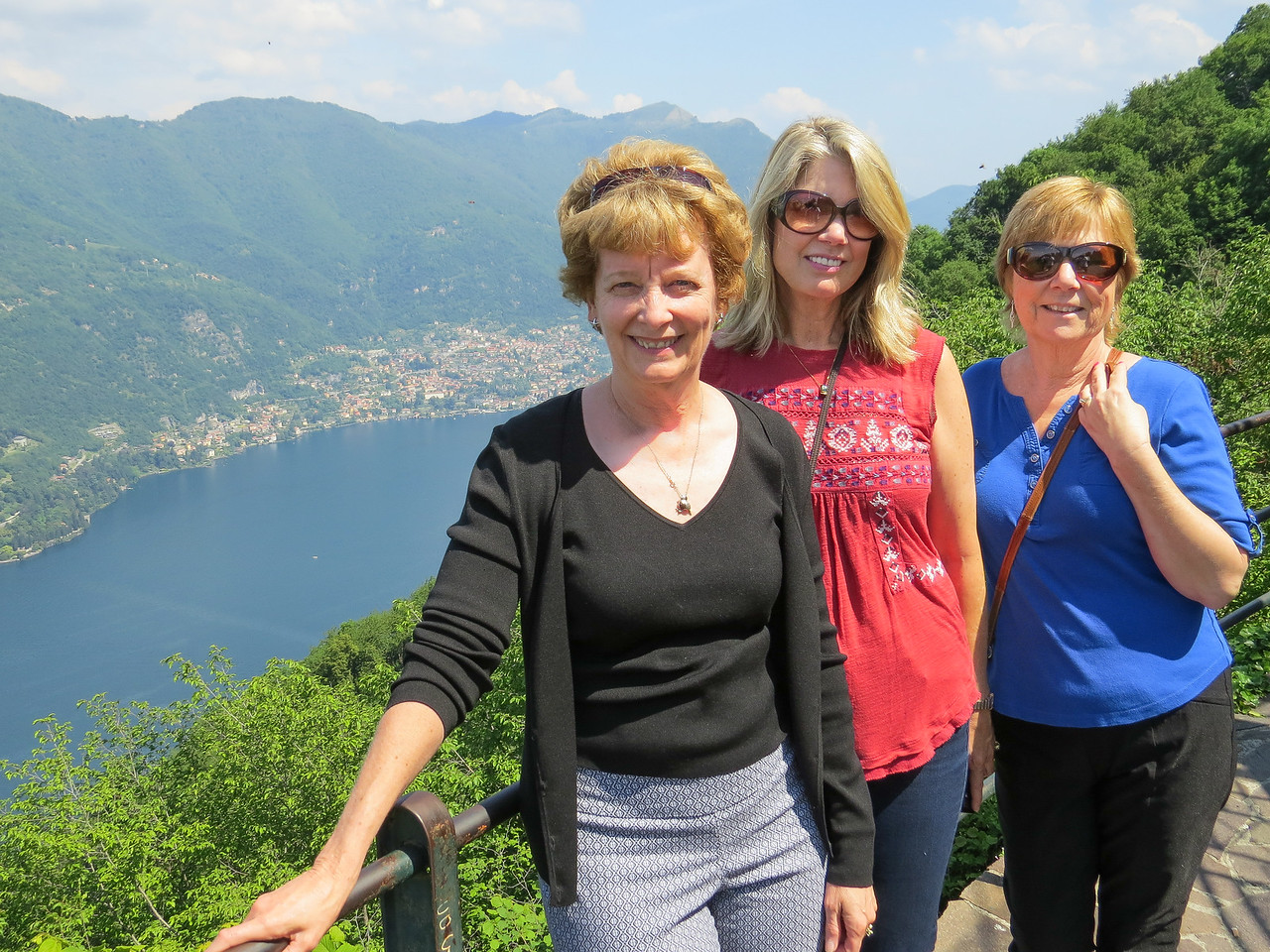 Hiking in Brunate