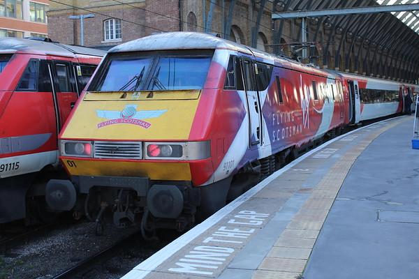 91101 at London Kings Cross on 1D12 1030 to Edinburgh Waverley. 17.11.17
