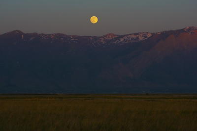 Super-moon over Wasatch Mountains