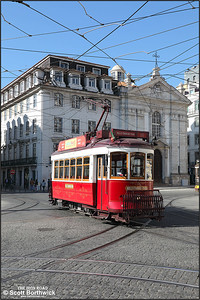 5 passes Corpo Santo with a Hills Tramcar tour  on 17/11/2017.