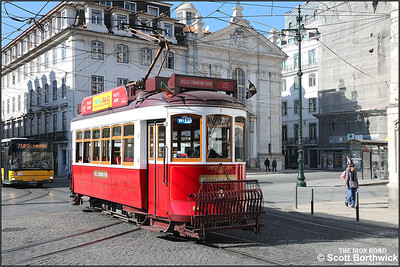 6 passes Corpo Santo with a Hills Tramcar Tour on 17/11/2017.