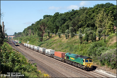 66554 powers 4L31 0903 Bristol Freightliner Terminal-Felixstowe North FLT through Sonning cutting on 12/08/2016.