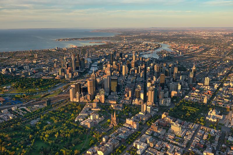 Crisp spring morning above Melbourne