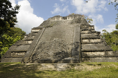 Twin Pyramid Complexes, Tikal