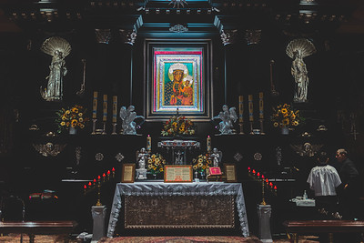 _NIK7308 Black Altar LatinMass Czestochowa_-2