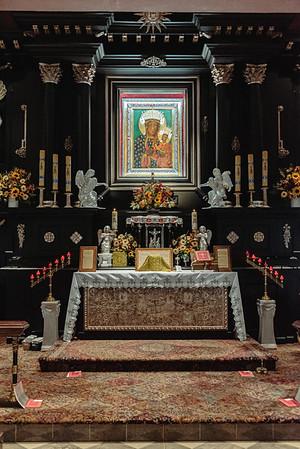 _NIK7316 Black Altar LatinMass Czestochowa_