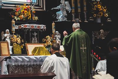 _NIK7459 Black Altar LatinMass Czestochowa_