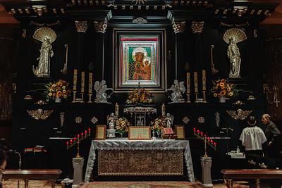 _NIK7310 Black Altar LatinMass Czestochowa_