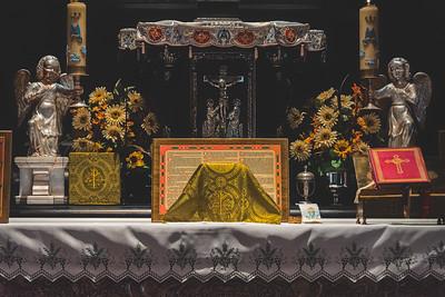 _NIK7312 Black Altar LatinMass Czestochowa_-2
