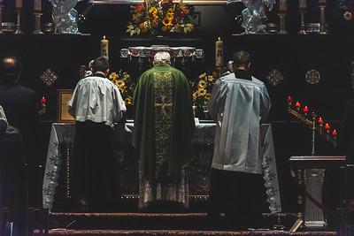 _NIK7474 Black Altar LatinMass Czestochowa_-2