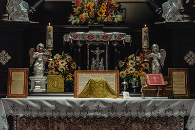 _NIK7314 Black Altar LatinMass Czestochowa_