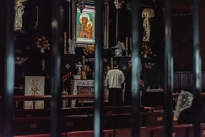 _NIK7284 Black Altar LatinMass Czestochowa_