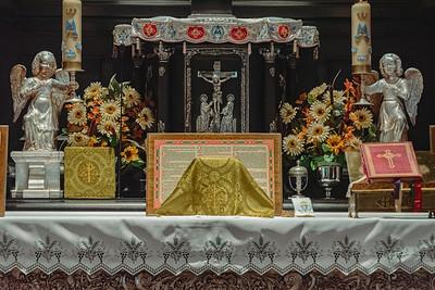 _NIK7313 Black Altar LatinMass Czestochowa_-2