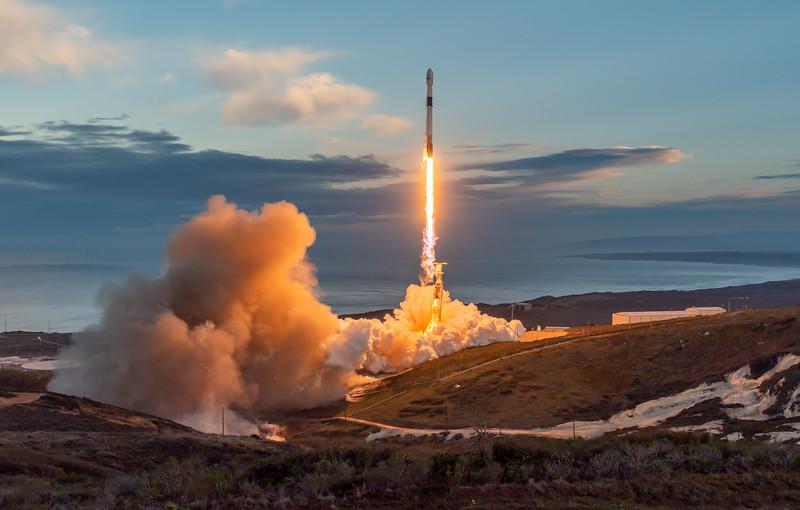 Falcon 9 launches Iridium-8 (2019-01-11)