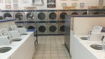 Temple Laundromat (Long Beach)