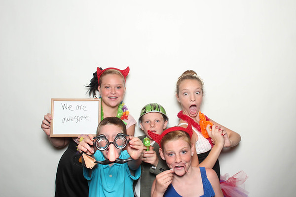 Laura&Ryan_BananaWhoBooth_MidlandWedding-0024