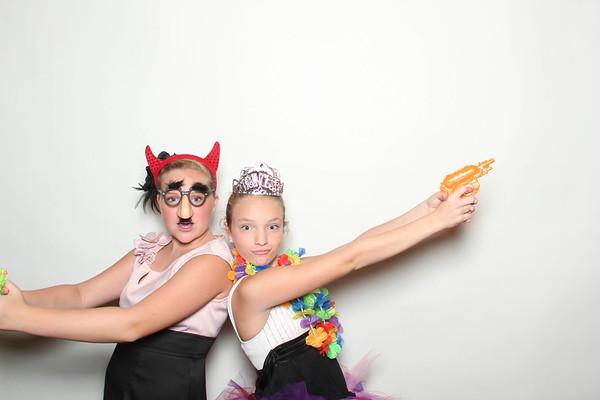 Laura&Ryan_BananaWhoBooth_MidlandWedding-0010